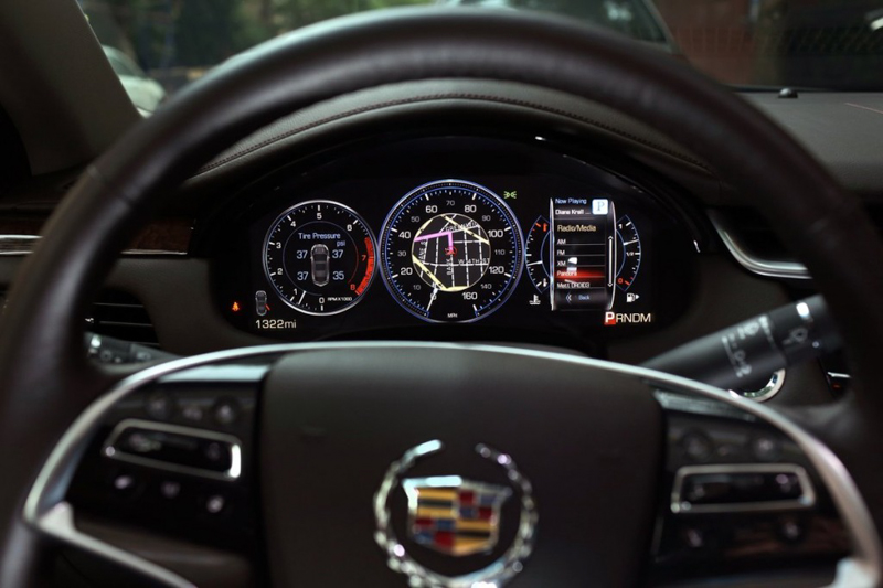 Cadillac XTS 2014-12.jpg
