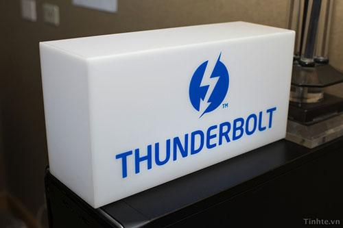 Intel_Thunderbolt_2_1.jpg