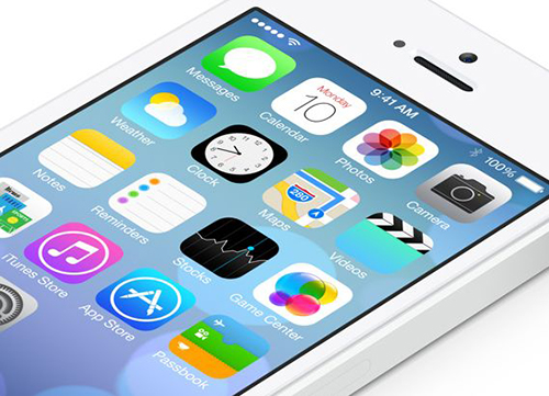 iOS_7_on_iPhone_angled.jpg