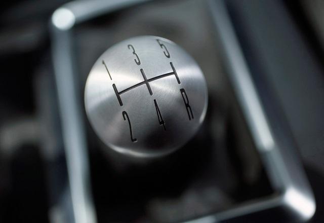 Giải thích một số chữ viết tắt có trên đồng hồ hiển thị hoặc cần số xe hơi Canso_xehoi-jpg