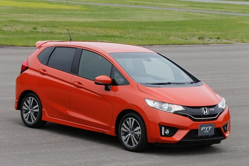 2014-Honda-Fit-Jazz-7[2]