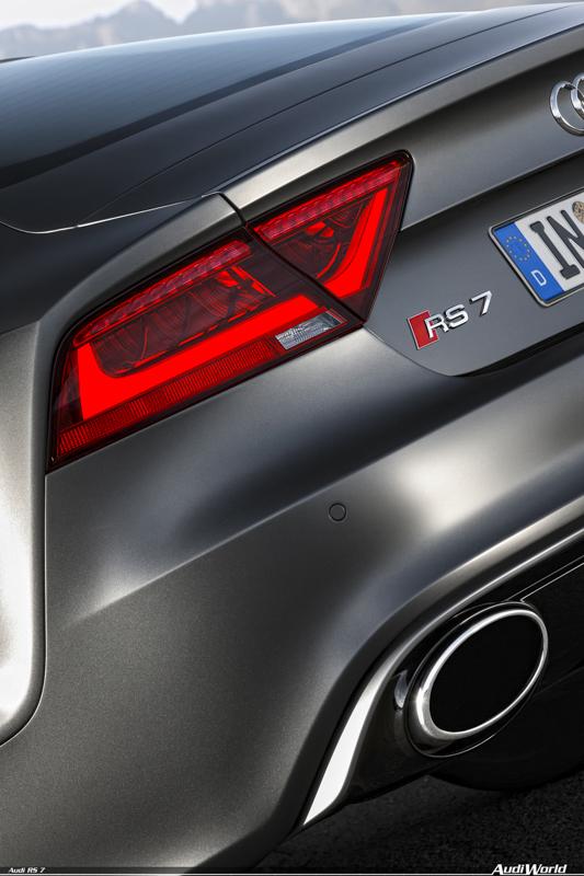 Audi-RS7-2014-58