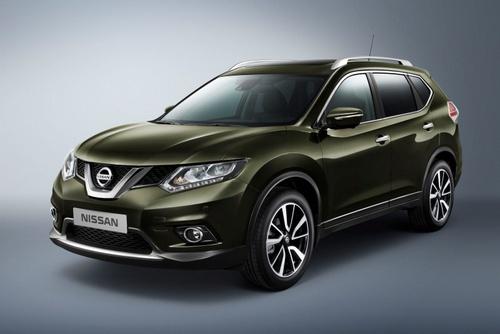 2014-Nissan-X-Trail-Rogue-036.
