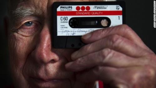 Bạn có còn nhớ băng Cassette? Nó 50 tuổi rồi đấy! Cassette-jpg