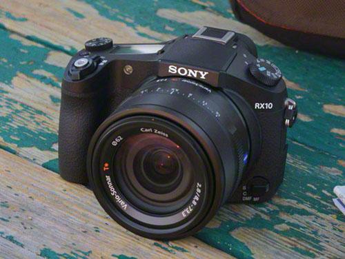 tinhte_Sony_RX10_lifestyle_DSC01652-1200.jpg