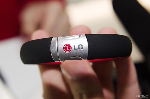 LG_Smart_Activity_Tracker_deo_tay_smartwatch.jpg