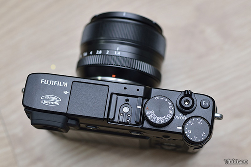 Fujifilm_X_lens.jpg