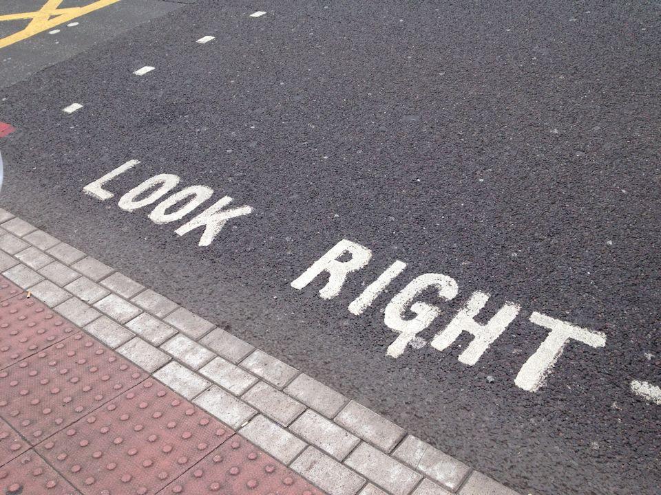 Look-right.jpg