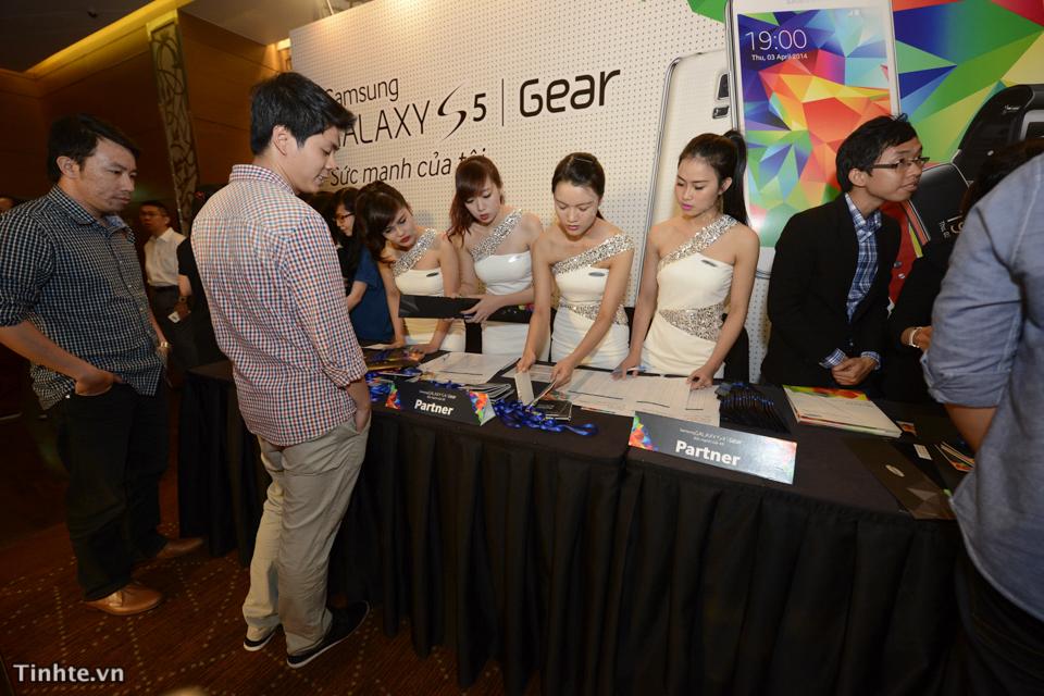 Samsung Galaxy S5-7.jpg