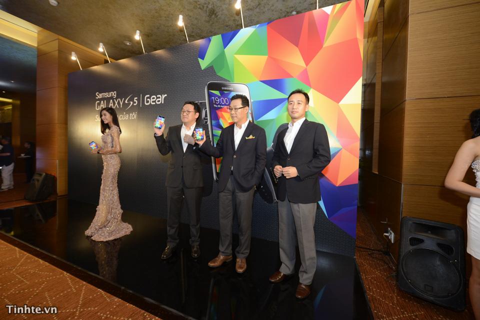 Samsung Galaxy S5-8.jpg