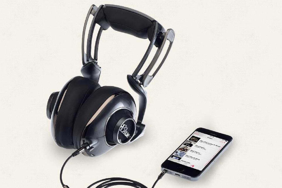 tinhte_Blue_Mo-fi_headphone_1.jpeg