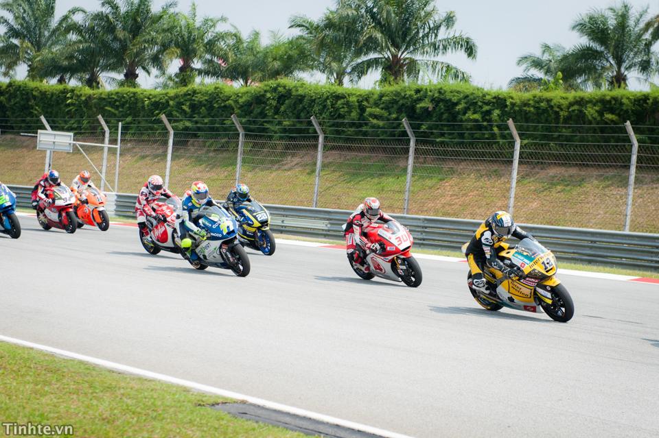 Tinhte.vn-Castrol-Malaysia-10-2014-7-2.jpg