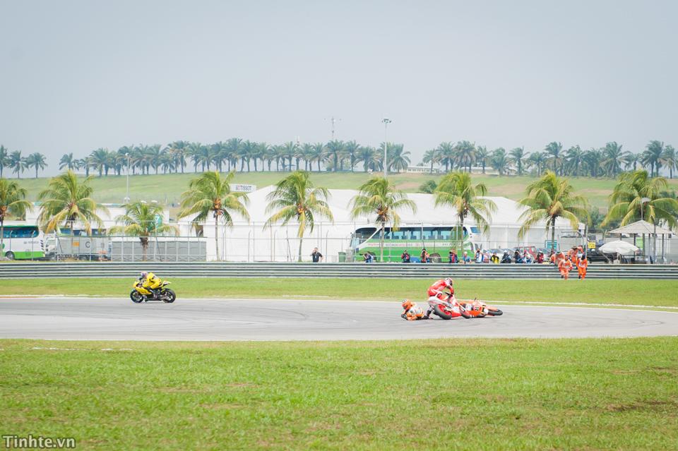 Tinhte.vn-Castrol-Malaysia-10-2014-8-2.jpg
