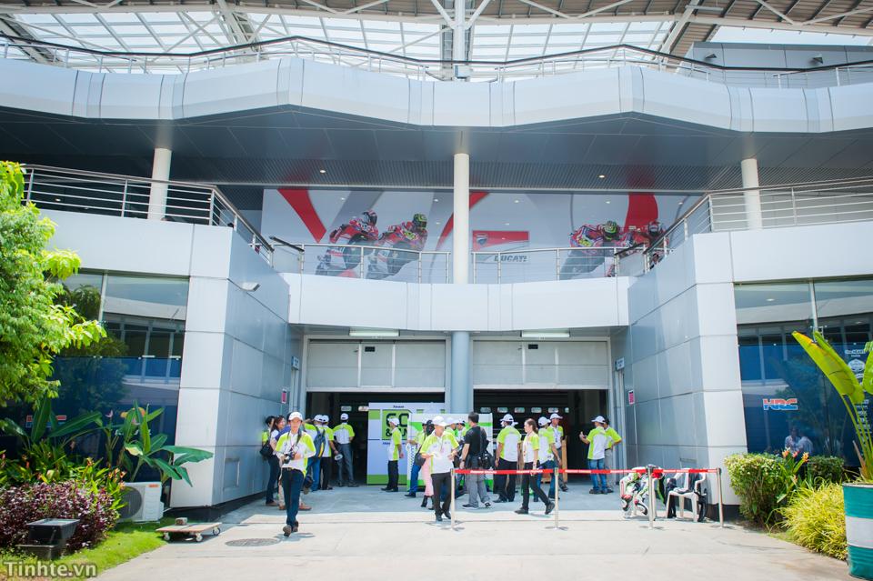 Tinhte.vn-Castrol-Malaysia-10-2014-27.jpg