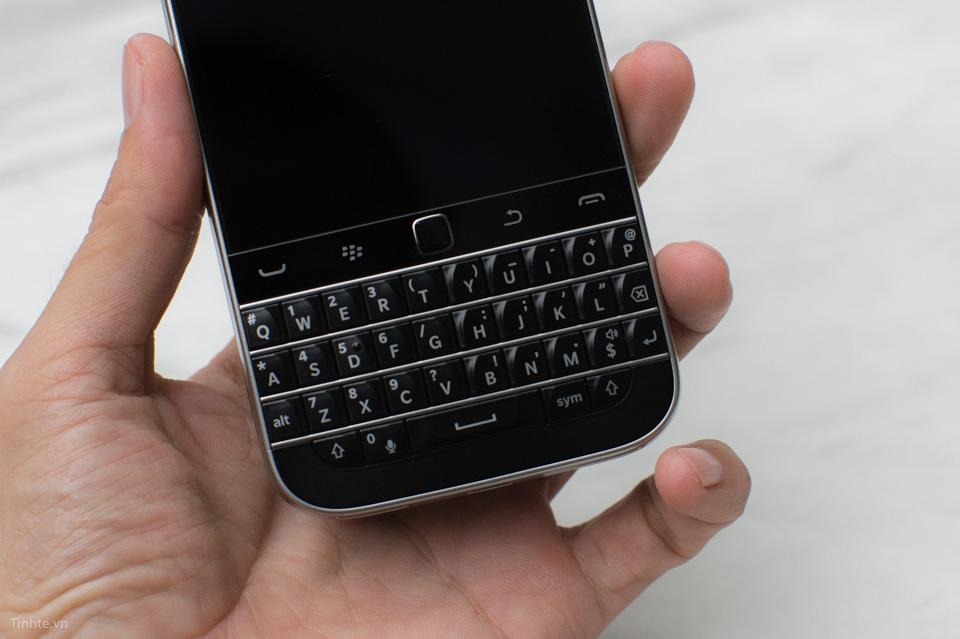 Tinhte-BlackBerry-Classic-8.jpg