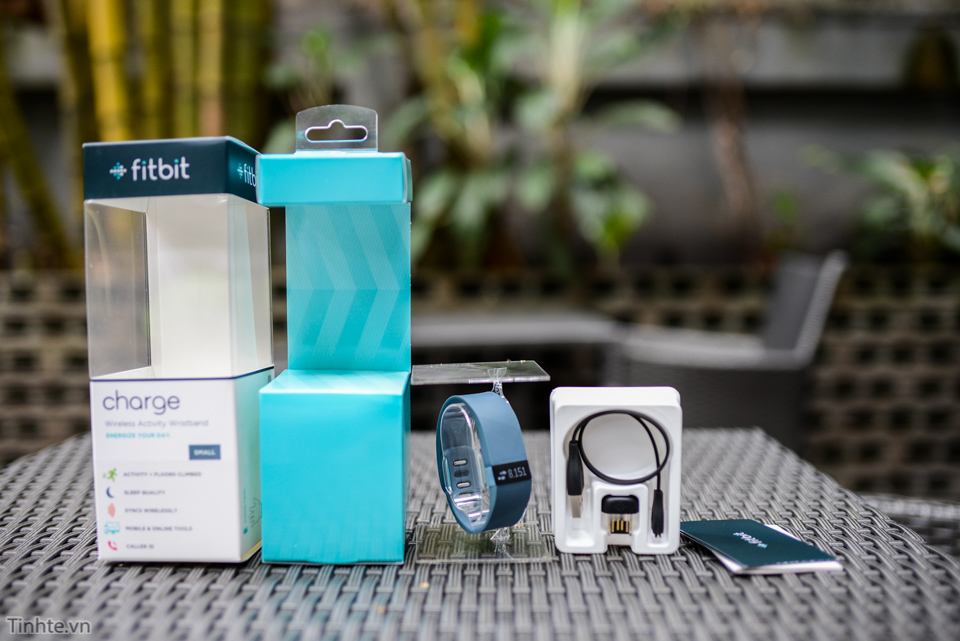 Tinhte-fitbit-charge-3.jpg