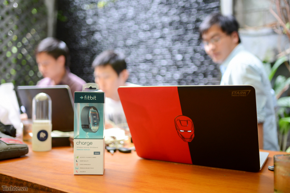 Tinhte-fitbit-charge-1.jpg