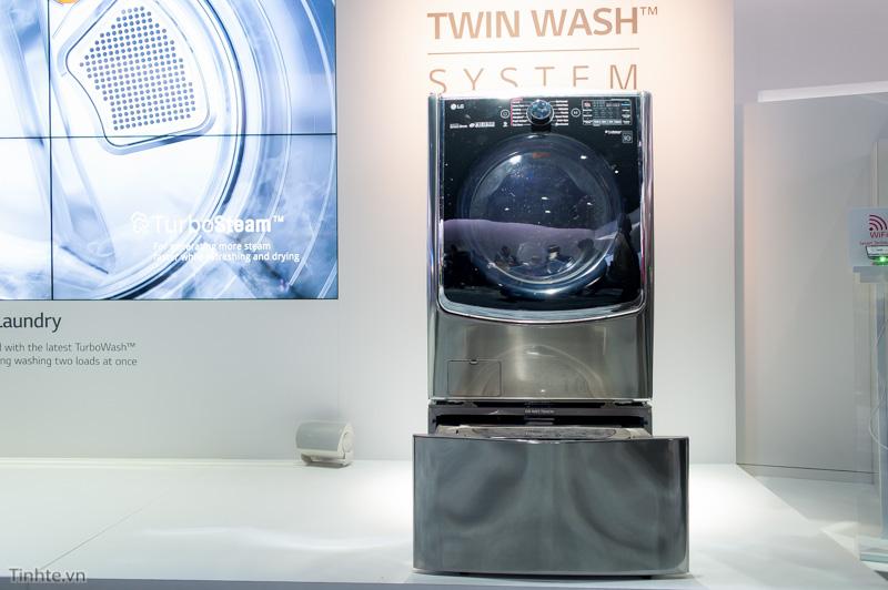 Tinhte.vn-Tren-tay-May-giat-LG-TwinWash-CES2015-13.jpg