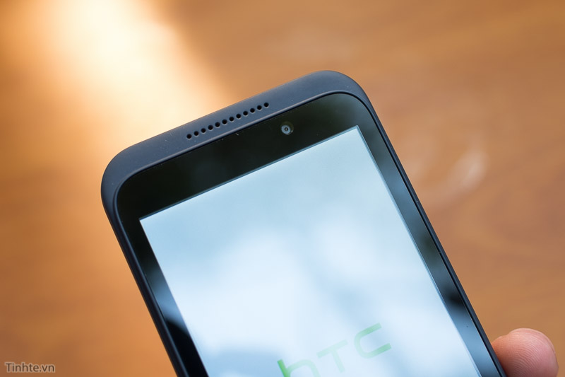 HTC_Desire_320-10.jpg
