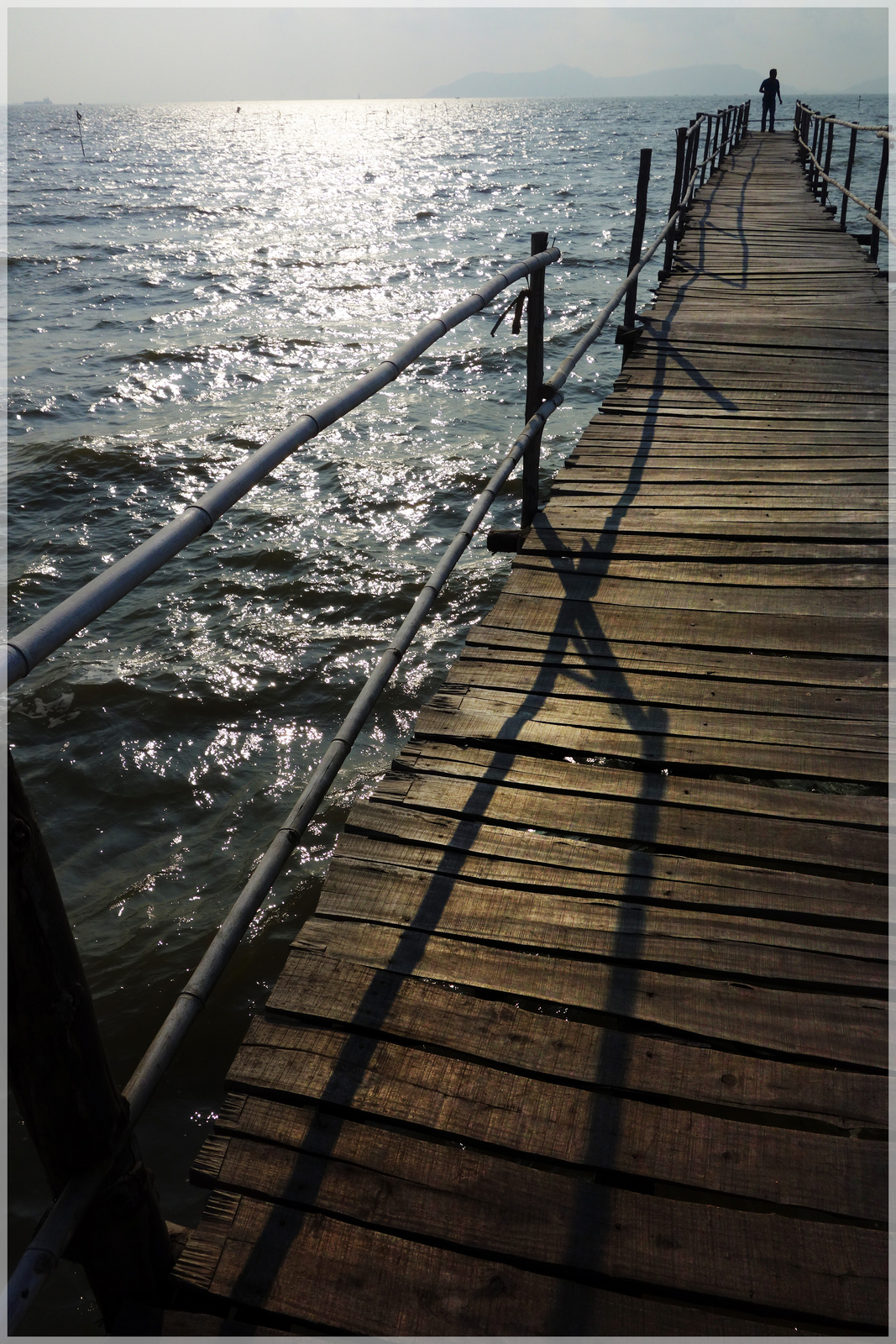Bình minh cầu gỗ Cần Thạnh 1.jpg