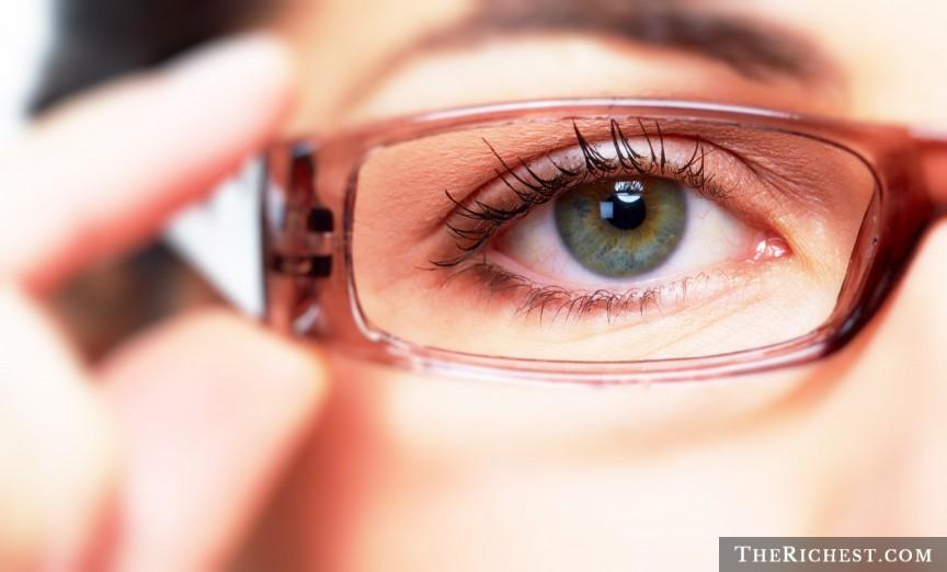 shutterstock_Eyeglasses.jpg
