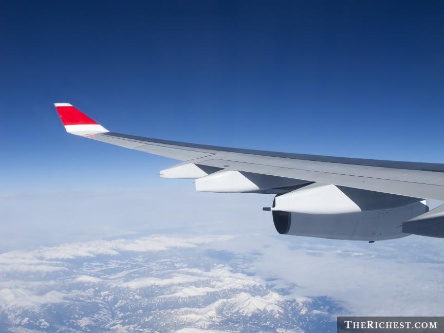 shutterstock_Plane-Wing.jpg