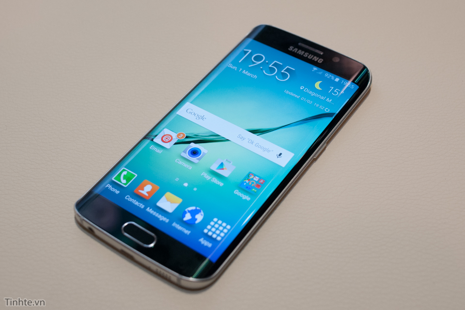 Tinhte_Tren_tay_Galaxy_S6_Edge_16.jpg