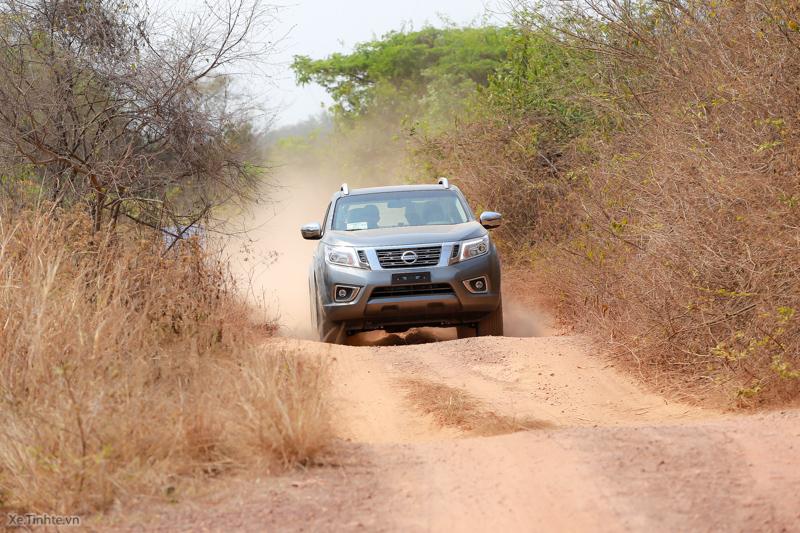 Nissan-Navara-NP-300-Offroad-2.jpg