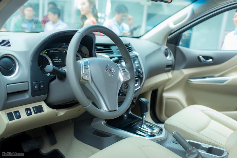 Nissan-Navara-NP-300-VL-ra-mat-19.jpg