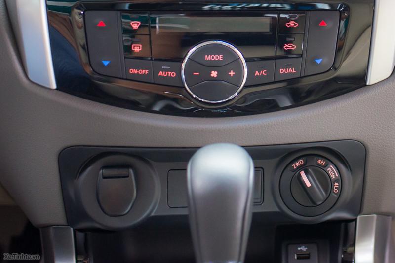 Nissan-Navara-NP-300-VL-ra-mat-24.jpg