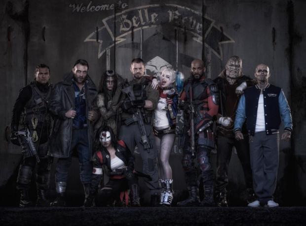 suicide-squad-movie-cast-margot-robbie-harley-quinn.png