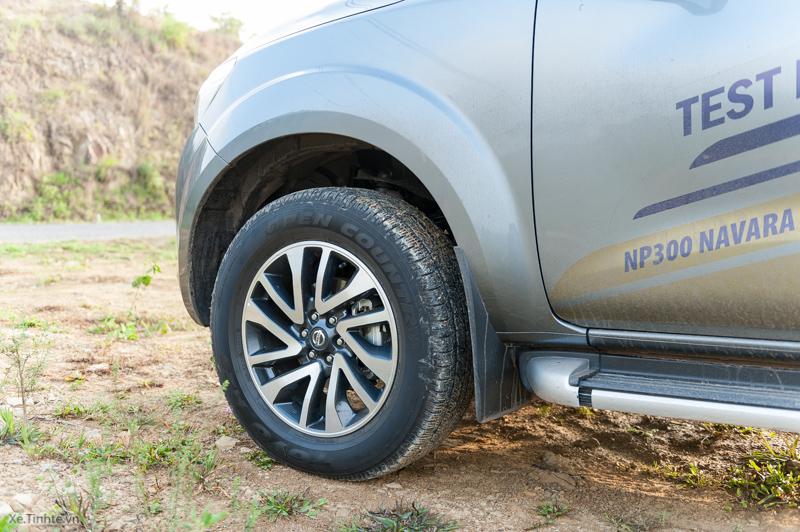 Trai-nghiem-Nissan-NP300-Navara-VL-24.jpg