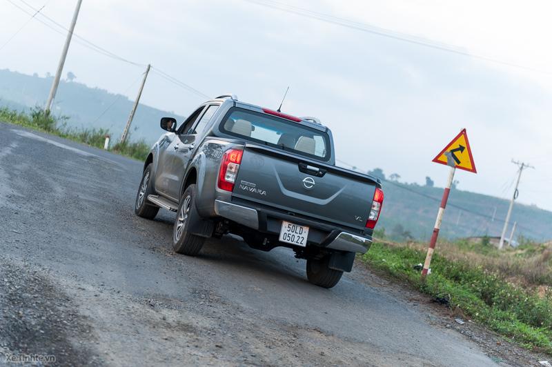 Trai-nghiem-Nissan-NP300-Navara-VL-5.jpg