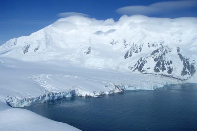 Băng tan ở Bán đảo Nam Cực.jpg
