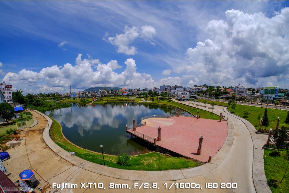 Camera.Tinhte_Samyang8mm_DSCF8971.jpg