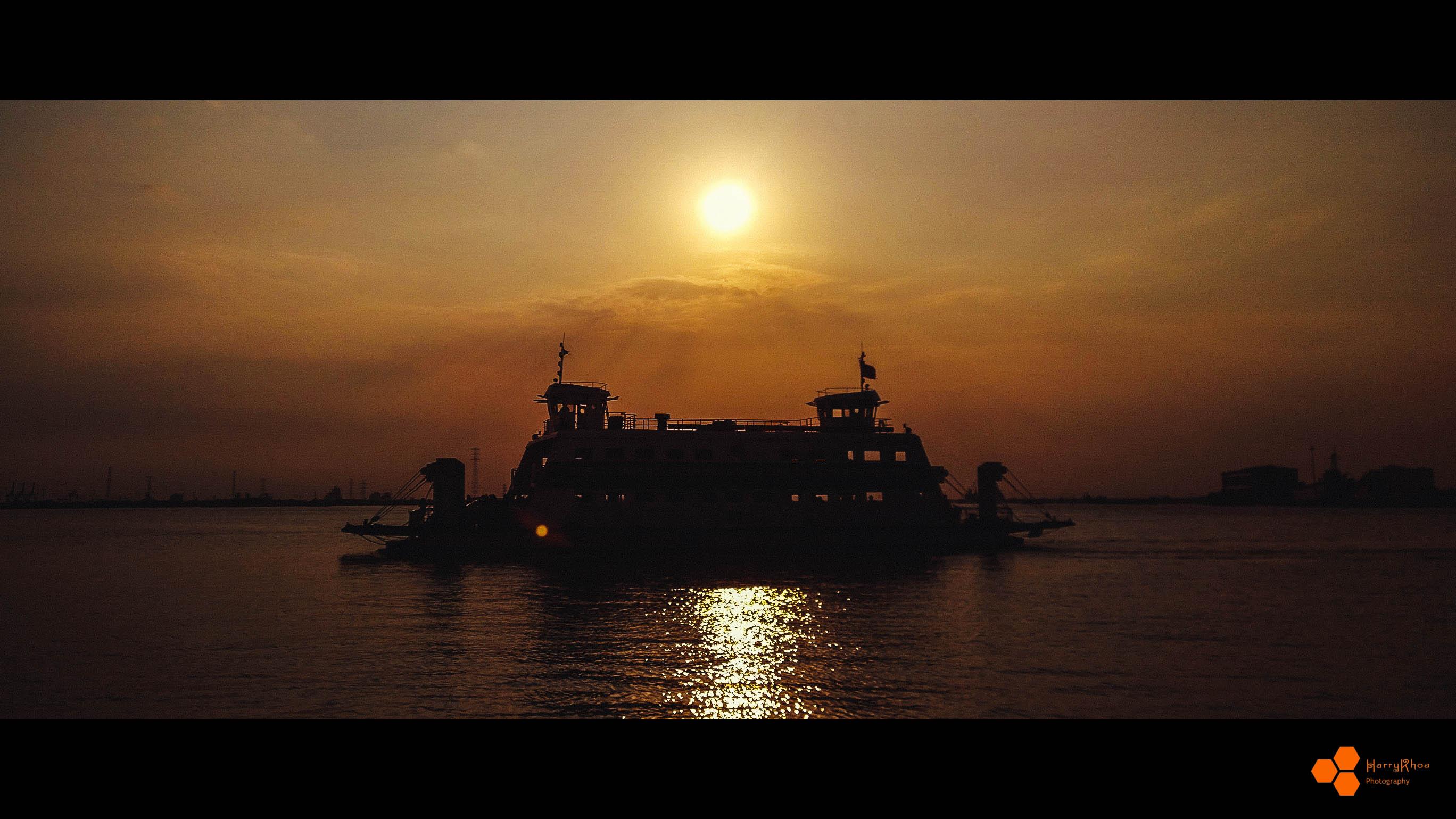 the-ferry_16879189418_o.jpg