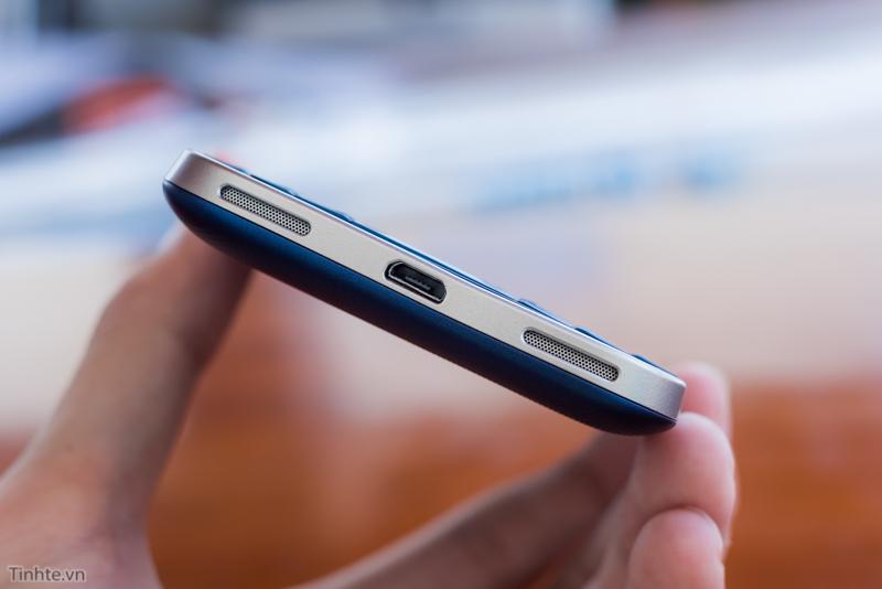 tinhte.vn-blackberry-classic-cobalt-11.jpg