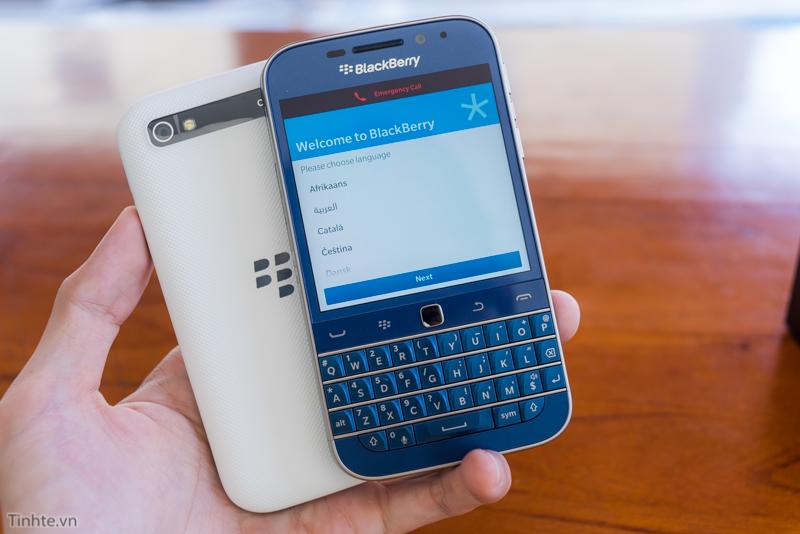 tinhte.vn-blackberry-classic-cobalt-23.jpg