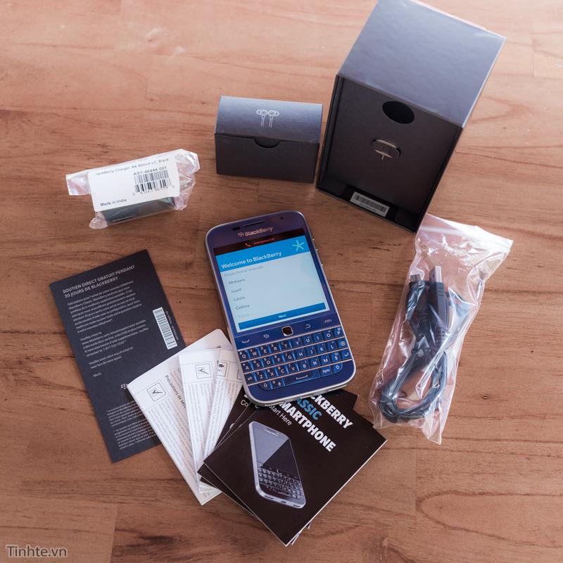 tinhte.vn-blackberry-classic-cobalt-24.jpg
