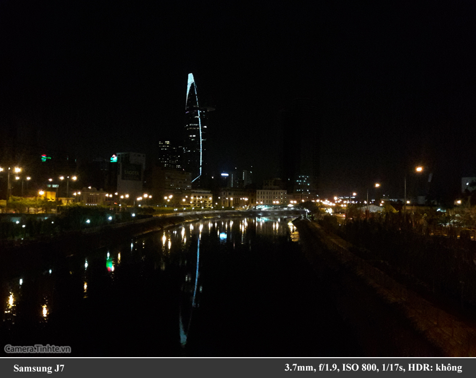 Camera.Tinhte_Samsung J7_960px_20150803_235822.jpg