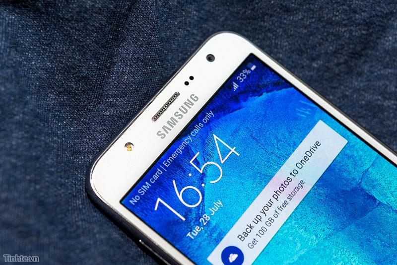 Camera.Tinhte_SamsungJ7.jpg