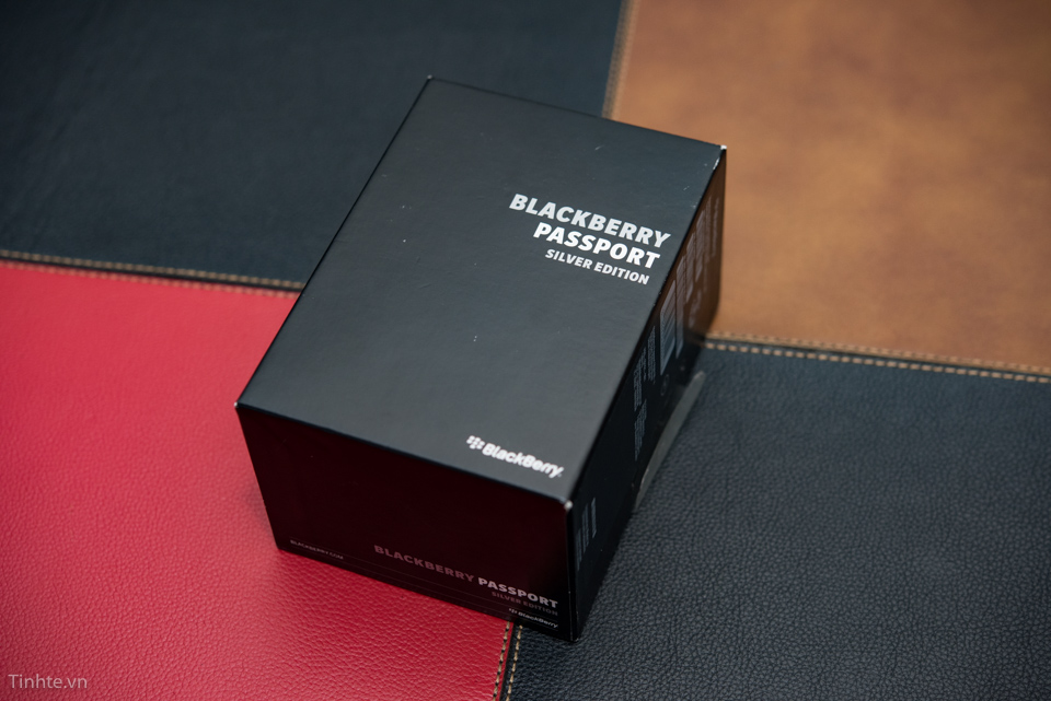 Tinhte-Passport-silver-edition.jpg