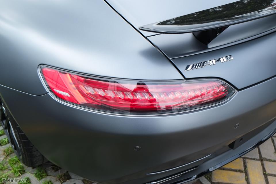 Xe.tinhte.vn - Mercedes GT S-7035.jpg