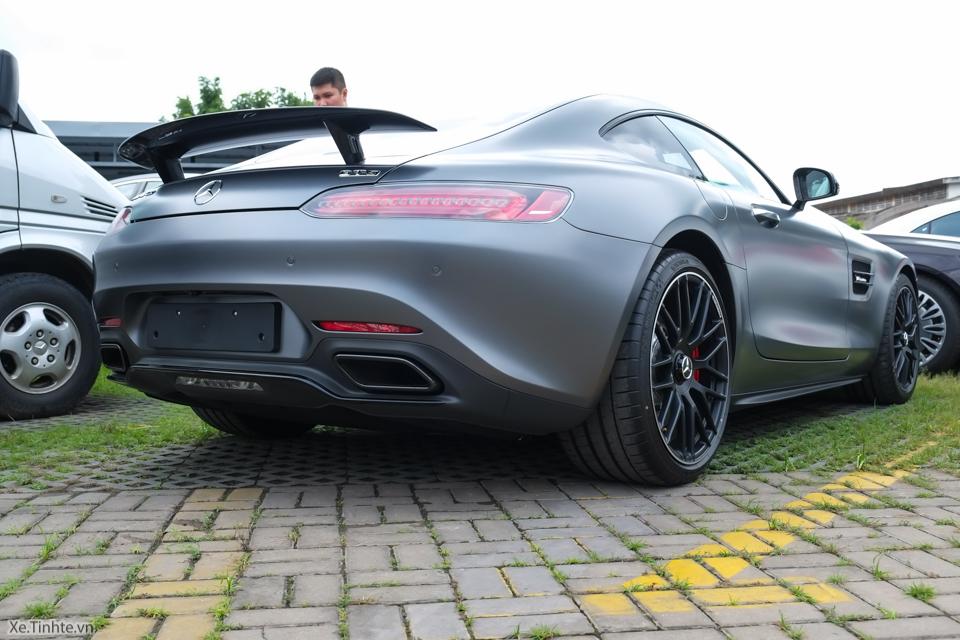 Xe.tinhte.vn - Mercedes GT S-7036.jpg