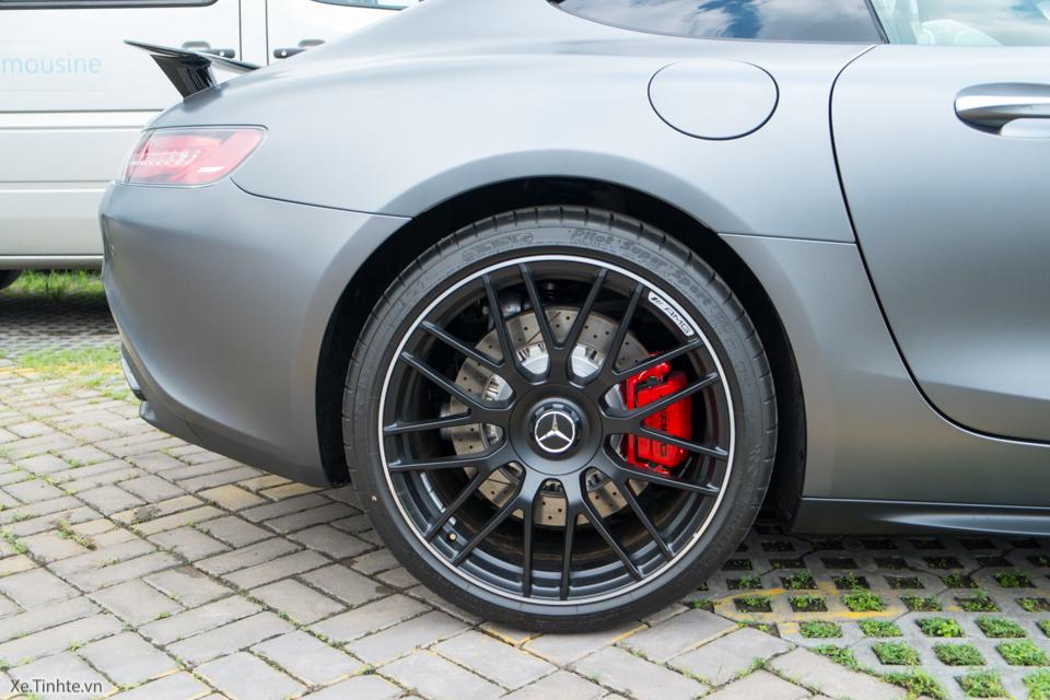 Xe.tinhte.vn - Mercedes GT S-7098.jpg