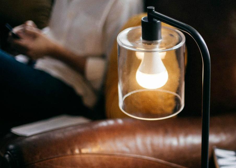 astro-twist-led-light-bulb-speaker-1500x999.jpg