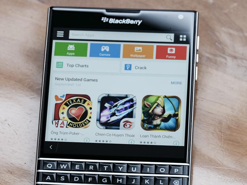 BlackBerry Passport 1mobile.jpg