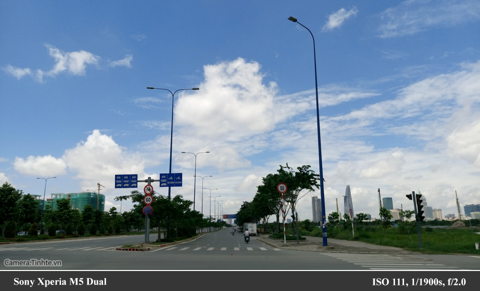 Camera.Tinhte_SonyM5Dual_DSC_0445.jpg