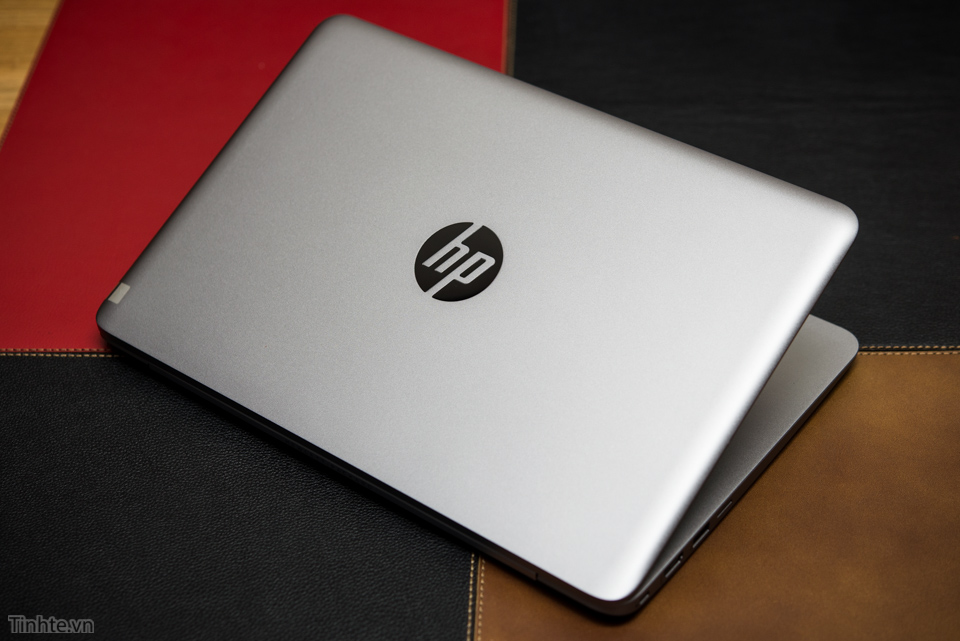 HP EliteBook Folio 1020_2.jpg
