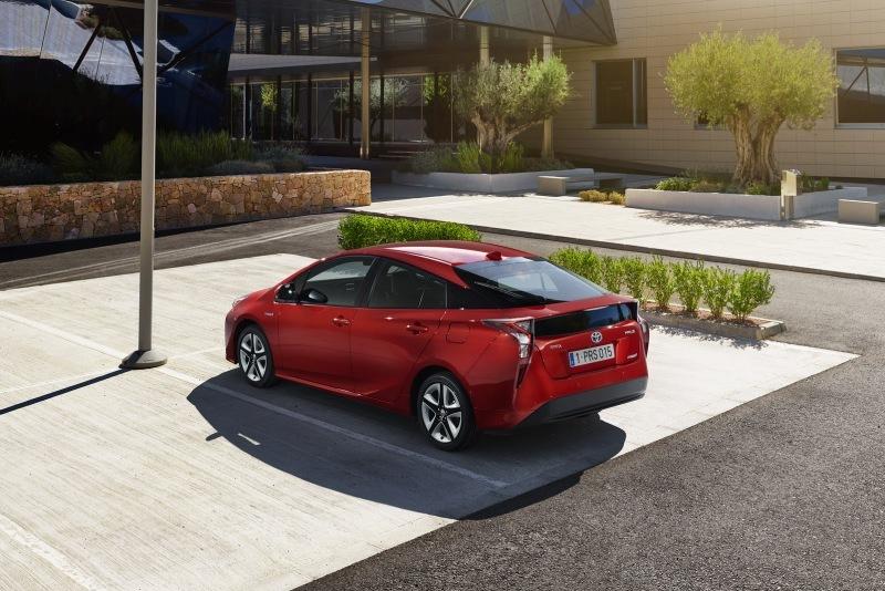 EU-2016-Toyota-Prius-3.jpg